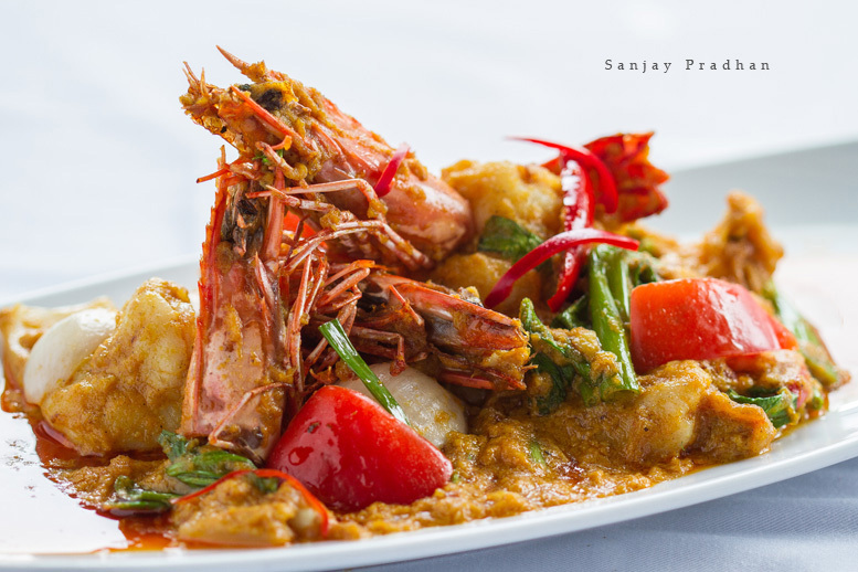 the-royal-budha-chili-prawns-wok-fried-prawns