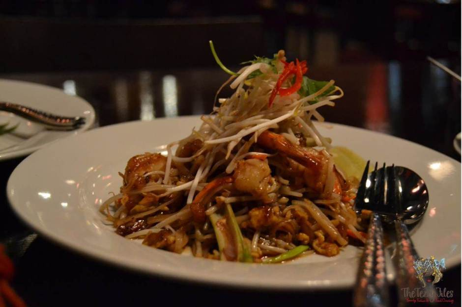 the royal budha pad thai review